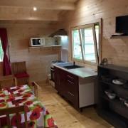 Camping 3 étoiles dordogne - cuisine sejour